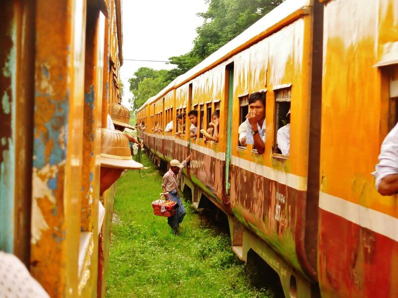 yangon tour by circular train 5