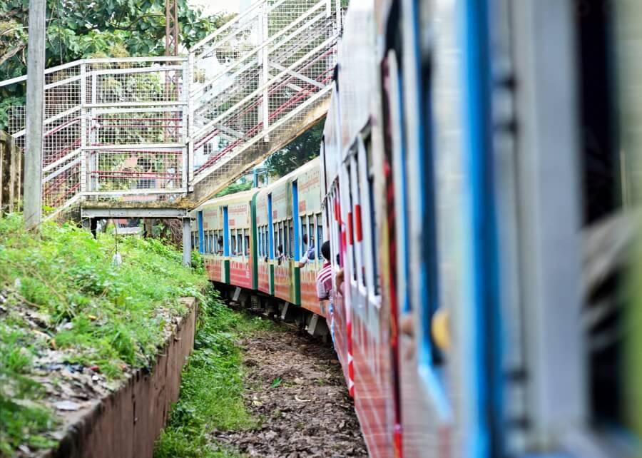 yangon tour by circular train 3