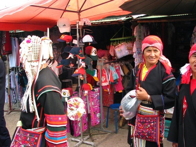 The vibrant morning market in Kengtung